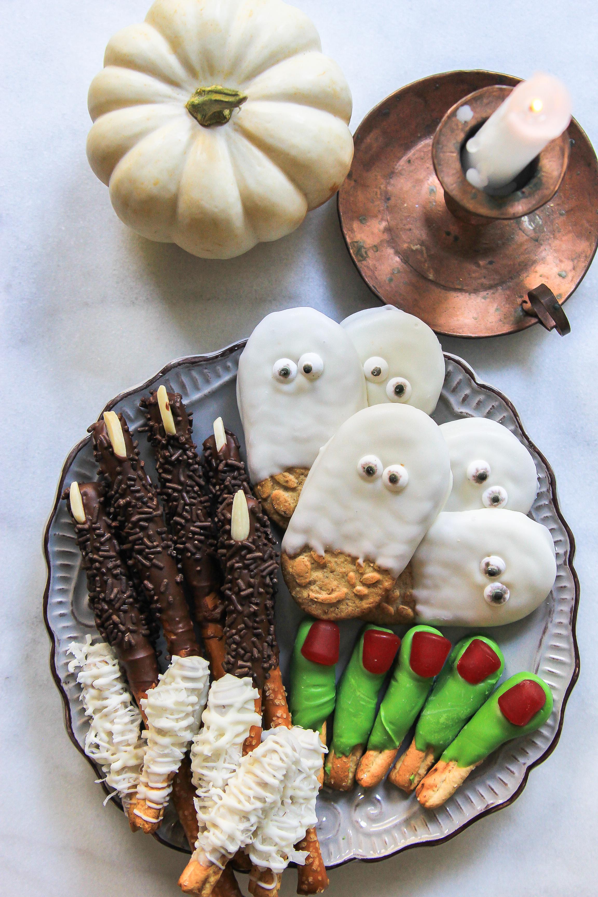 Halloween ghost werewolf frankenstein mummy cookies-14
