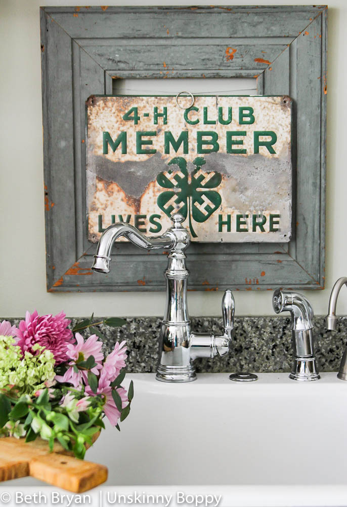 Moen Weymouth Kitchen faucet (farmhouse style) (1 of 15)
